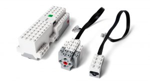 LEGO BOOST Smart brick, servo motor and color-distance sensor