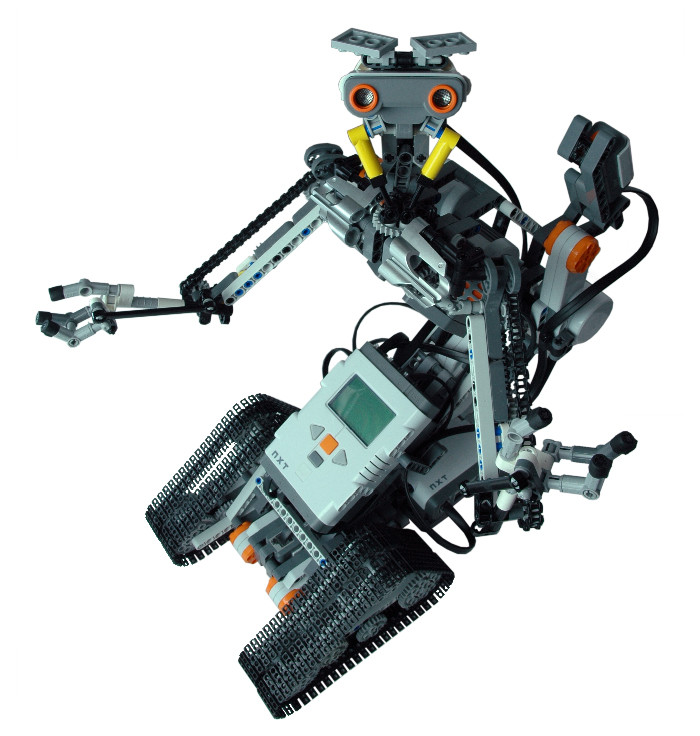 LEGO MINDSTORMS NXT Johnny 5 robot