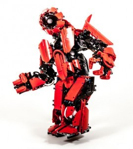 Cyclops mk II is a LEGO MINDSTORMS humanoid robot