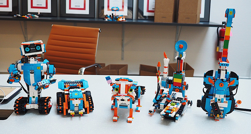 The 5 hero models that you can build with LEGO BOOST Creative toolbox