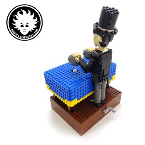 A LEGO magician automaton that can make objects appear and disappear. Support on LEGO IDEAS